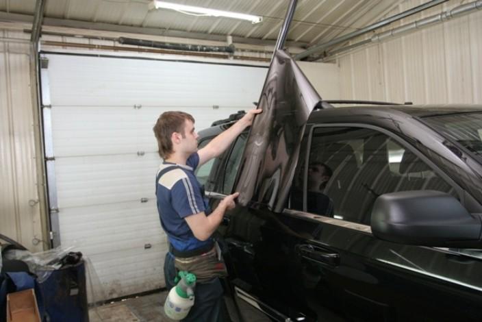 Тонировка стекол автомобилей своими руками