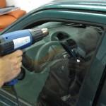 Выгодно и полезно: учимся тонировать автомобиль собственными руками