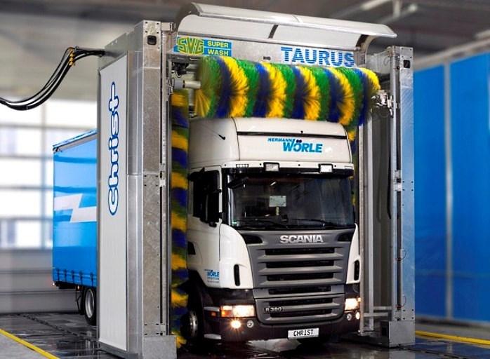Автоматическая мойка для грузовиков