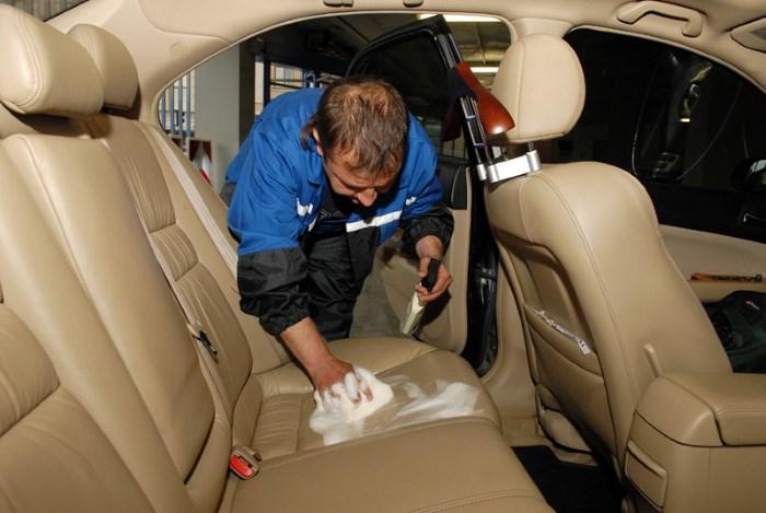 Очистка салона авто
