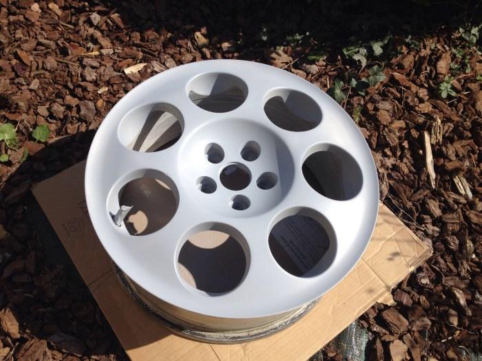 Загрунтованный литой диск