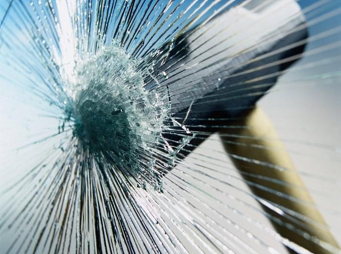 Пленка для бронирования стекол