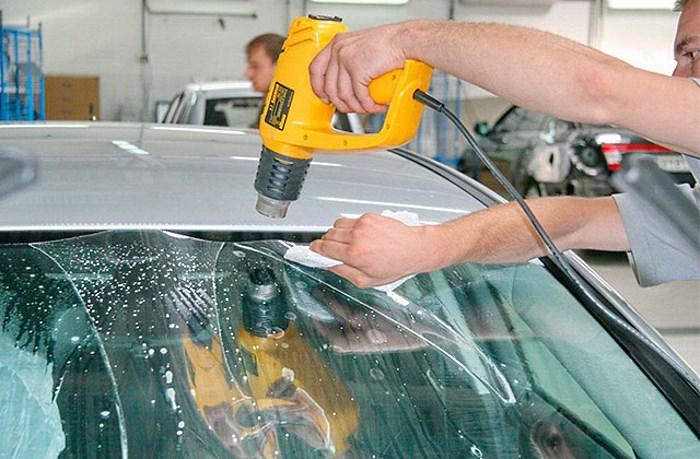 Нанесение бронепленки на лобовое стекло
