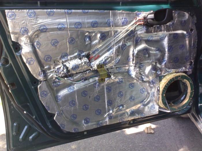 Шумоизоляция дверей в салоне авто