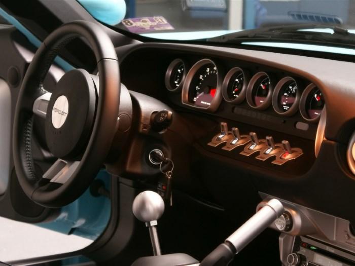 Торпедо автомобиля