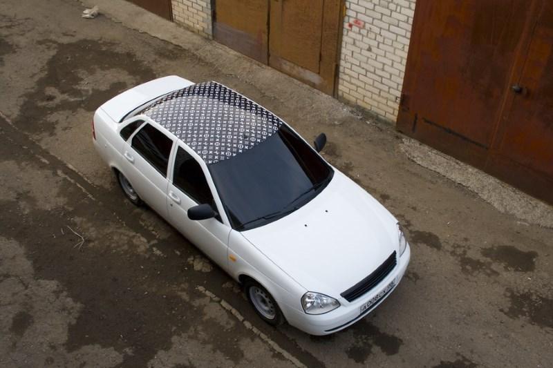 Виниловая пленка на крыше автомобиля