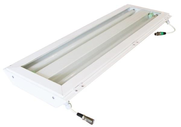 Двухламповый люминисцентный светильник