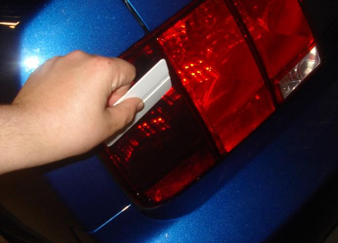 Тонировка фонарей пленкой своими руками 97