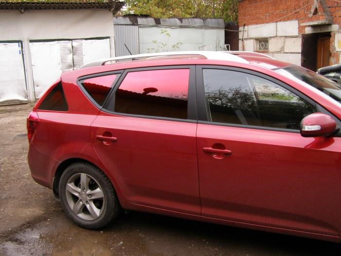 Зеркальная тонировка на задних стеклах автомобиля