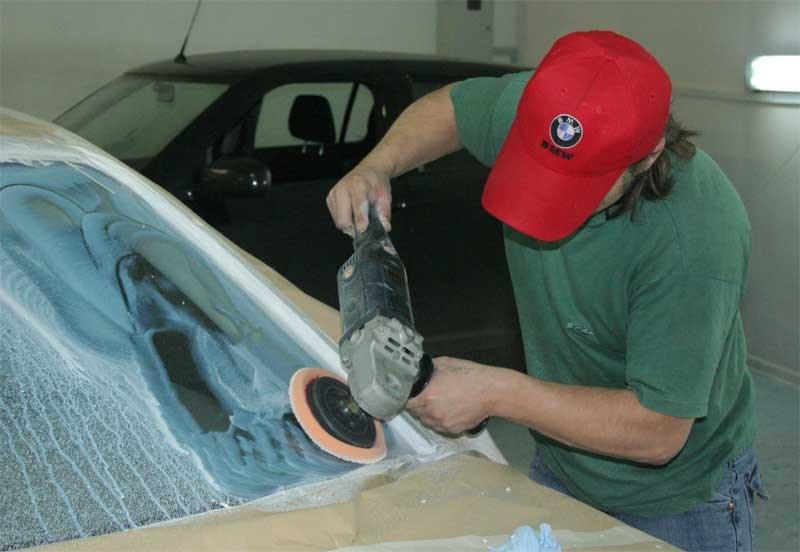 Как отполировать стекло автомобиля своими руками видео