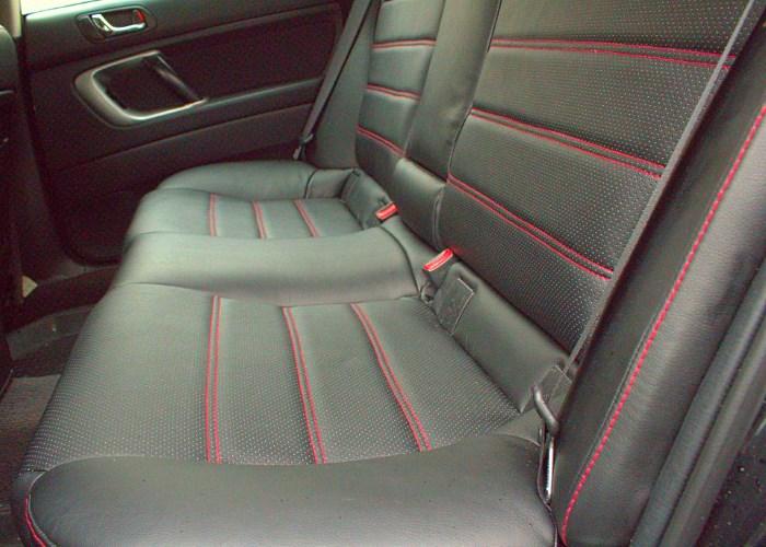 Обивка сидений автомобиля