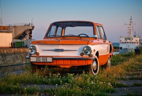 Автомобиль, покрашенный двумя цветами