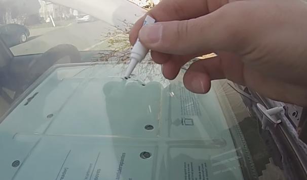 Финишное заполнение трещины полимером