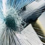 Надежная защита: разновидности и нанесение бронепленки для стекол автомобиля