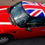 Популярный и эффектный тюнинг автомобиля: оклейка крыши пленкой