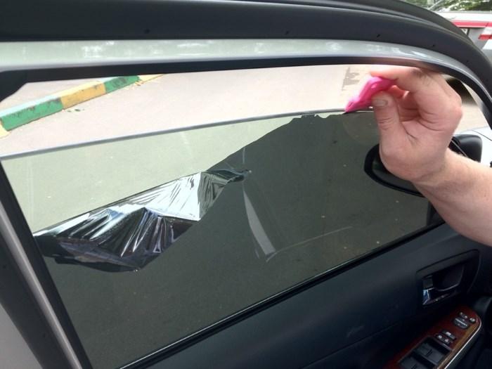Снятие тонировки со стекла
