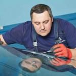 Реально ли убрать скол с лобового стекла и что для этого нужно?