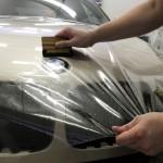 Узнайте, как правильно перетянуть автомобиль виниловой пленкой